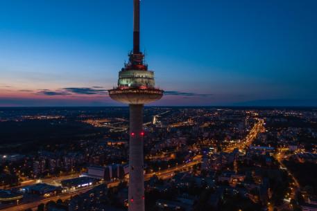 Vakarienė dviem restorane PAUKŠČIŲ TAKAS TV bokšte