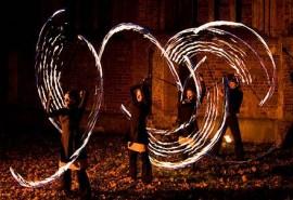 Ugnies žongliravimo pamoka vaikų gimtadieniuose