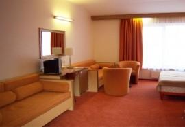 """Romantiškas poilsis viešbutyje """"Info Hotel"""" ir vakarienė restorane """"Žuvinė"""" Palangoje"""