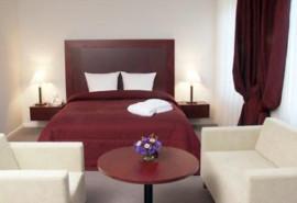 """2 nakvynių romantiškas poilsis prie jūros 4* viešbutyje """"NAVALIS"""""""