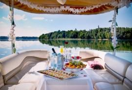 Romantiška vakarienė dviems laive