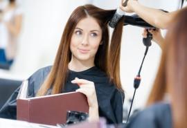 Modelinis plaukų kirpimas, sušukavimas ir gydomoji procedūra + 30% nuolaida plaukų dažymui