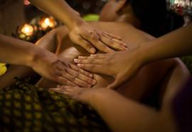 Karališkasis Kizhi – Ajurvedinis keturių rankų masažo ritualas