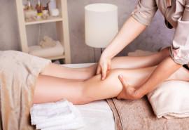 Anticeliulitinis vakuuminis masažas taurėmis ir probleminių vietų šveitimas